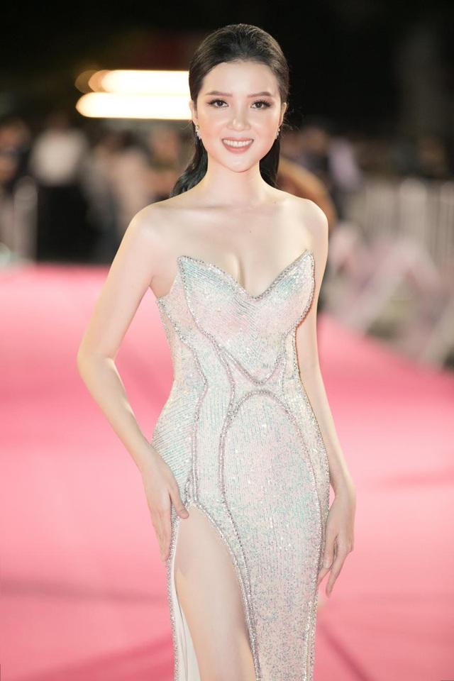 Dàn người đẹp rạng rỡ trên thảm đỏ Chung kết Hoa hậu Việt Nam 2020 - 8