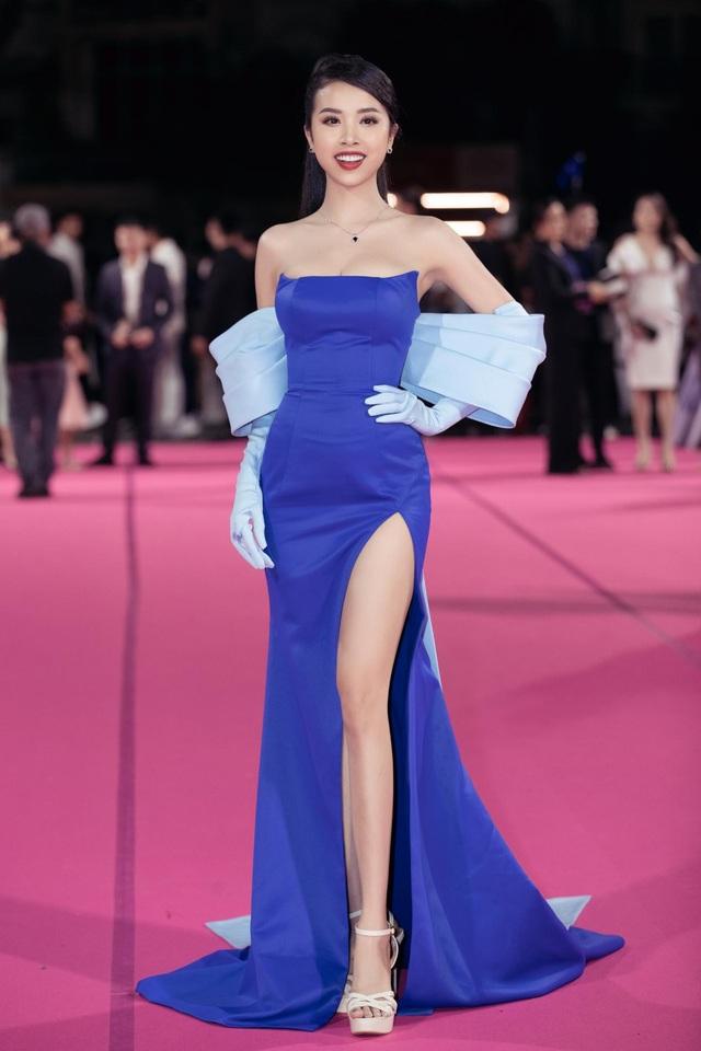 Dàn người đẹp rạng rỡ trên thảm đỏ Chung kết Hoa hậu Việt Nam 2020 - 9