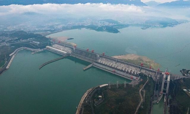 Đập thủy điện lớn nhất hành tinh ở Trung Quốc lập kỷ lục thế giới - 1