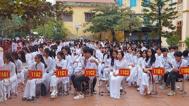 Hòa Bình: Trường THPT Công Nghiệp kỷ niệm 50 năm thành lập - 3