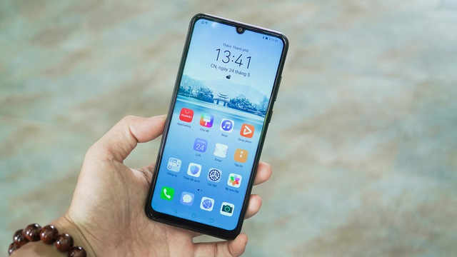 8 mẫu smartphone có pin trâu nhất trên thị trường - 7