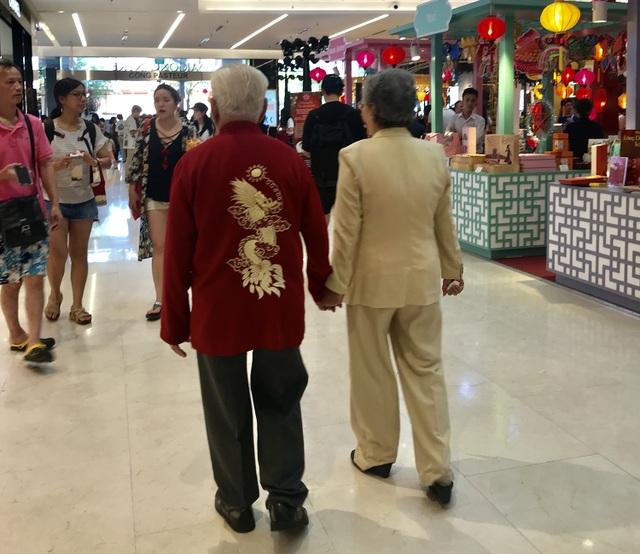 Ca sĩ Ngọc Ánh ngưỡng mộ cuộc hôn nhân 65 năm vẫn ngọt ngào của ba mẹ - 6