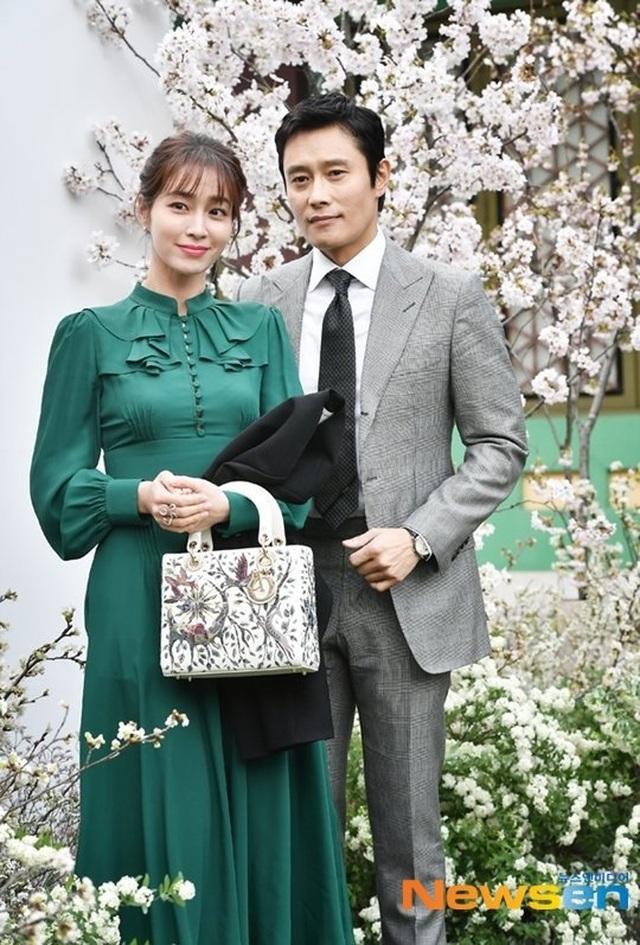 """""""Bã xã"""" Lee Byung Heon chia sẻ về người chồng đào hoa - 8"""