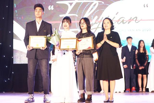 Học sinh THPT Chu Văn An thăng hoa trong đêm nhạc đầy cảm xúc - 11
