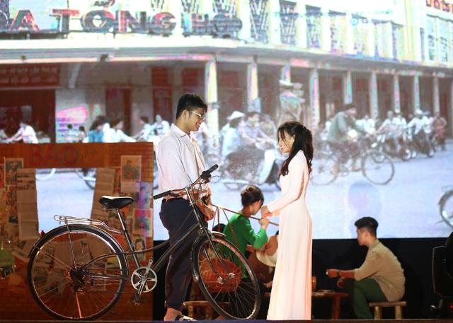 Học sinh THPT Chu Văn An thăng hoa trong đêm nhạc đầy cảm xúc - 6