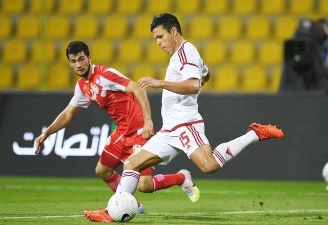 HLV từng dự World Cup bị chỉ trích dữ dội ở đội tuyển UAE - 1