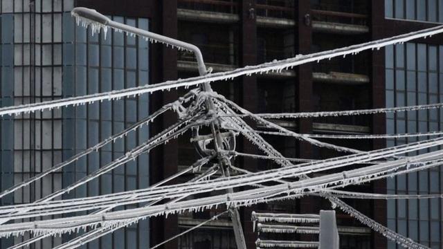 Thành phố Nga tê liệt vì mưa băng thảm họa - 3