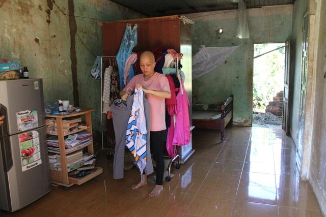 Xót xa cô giáo trẻ lầm lũi chống chọi ung thư trong căn nhà tạm trên rẫy - 3