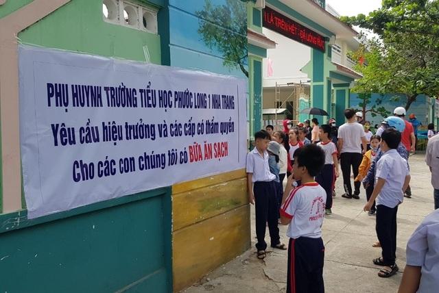 Khánh Hòa: Hiệu trưởng phải chịu trách nhiệm nếu xảy ra ngộ độc thực phẩm - 1