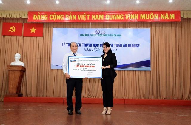 Công ty Rohto-Mentholatum Việt Nam với sứ mệnh vì cộng đồng và tiếp sức vùng lũ - 1