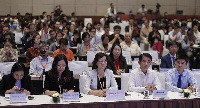 Diễn đàn phát triển giáo dục 4.0 phù hợp với thực tiễn Việt Nam - 1