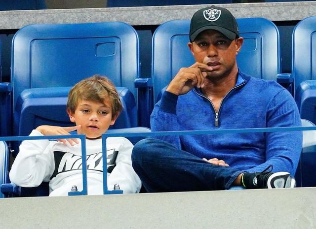 Tiger Woods đối đầu con trai 11 tuổi ở giải PNC Championship 2020 - 1