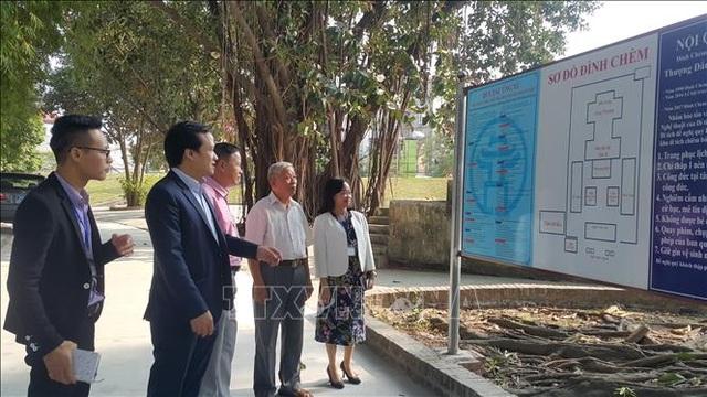 Hà Nội: Hàng trăm bảng quy tắc ứng xử bị đánh tráo chất liệu - 1
