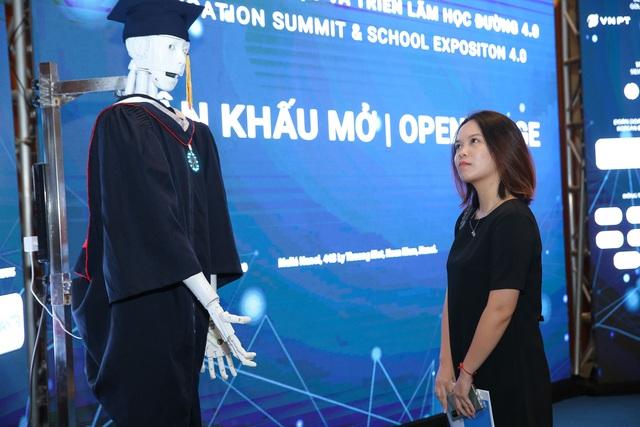 """Người máy AI """"quốc tịch Việt Nam"""" đầu tiên ứng dụng trong giáo dục - 1"""