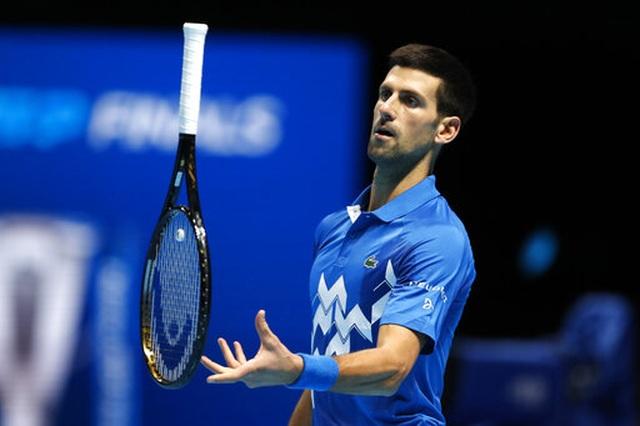 Thắng nghẹt thở trước  Djokovic, Thiem vào chung kết ATP Finals 2020 - 3