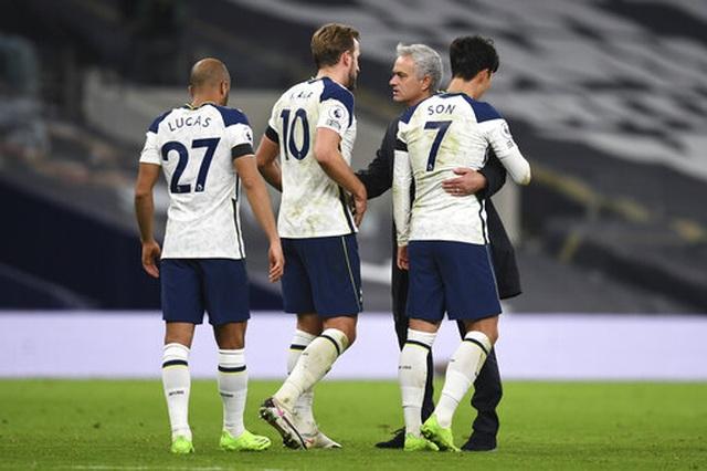 Những khoảnh khắc Tottenham hạ gục Man City, lên ngôi đầu bảng - 16