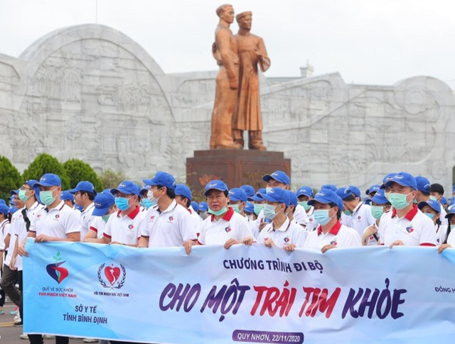 """Bình Định: Gần 3.000 người đi bộ """"Cho một trái tim khỏe"""" - 1"""