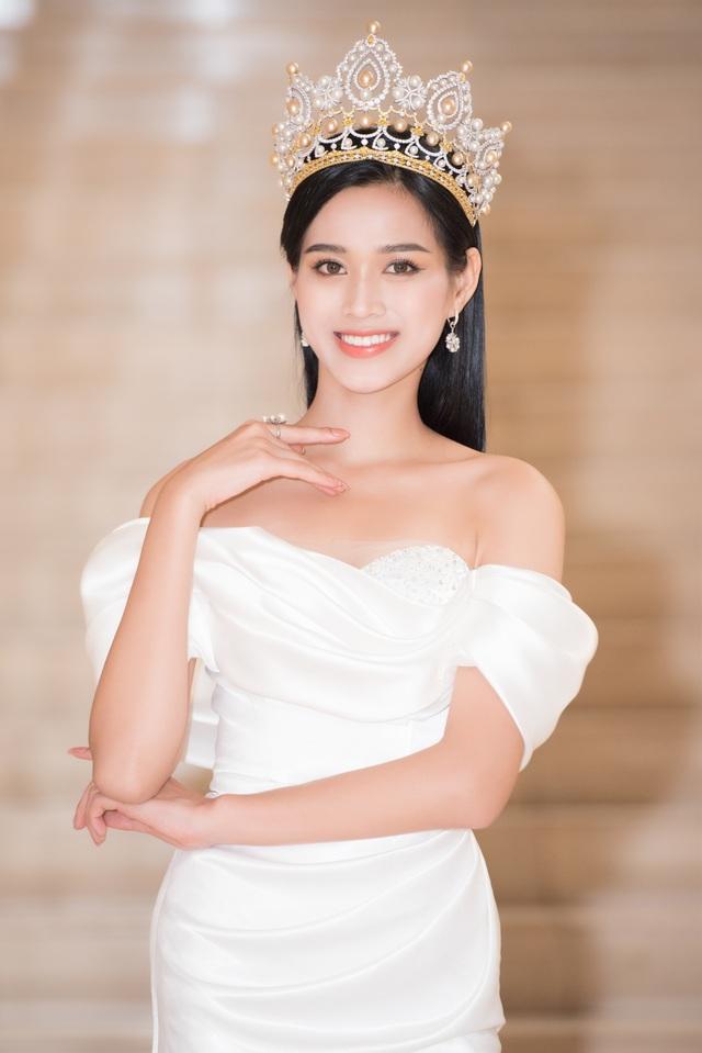 """Bố Đỗ Thị Hà: """"Tôi khóc rất nhiều khi con giấu chuyện đi thi Hoa hậu"""" - 3"""