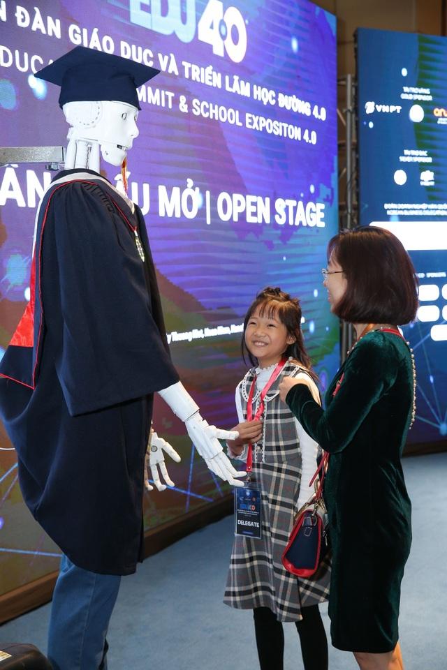 """Người máy AI """"quốc tịch Việt Nam"""" đầu tiên ứng dụng trong giáo dục - 2"""