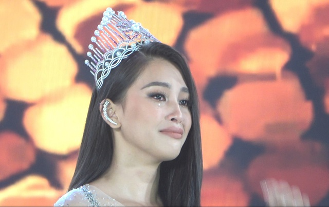 Những giọt nước mắt trên sân khấu Chung kết Hoa hậu Việt Nam - 3