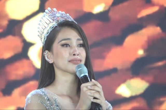 Những giọt nước mắt trên sân khấu Chung kết Hoa hậu Việt Nam - 2