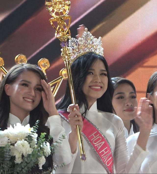Những giọt nước mắt trên sân khấu Chung kết Hoa hậu Việt Nam - 7