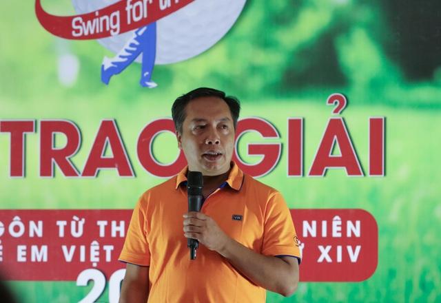 Ủng hộ Quỹ Khuyến học Việt Nam 300 triệu đồng từ Giải Golf từ thiện - 3