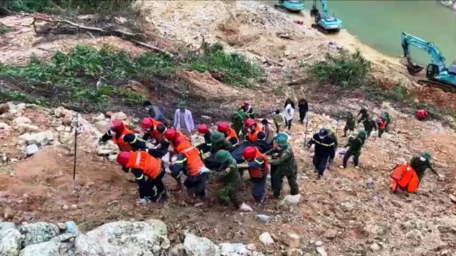 Tìm thấy 1 thi thể công nhân dưới lòng sông Rào Trăng  - 1