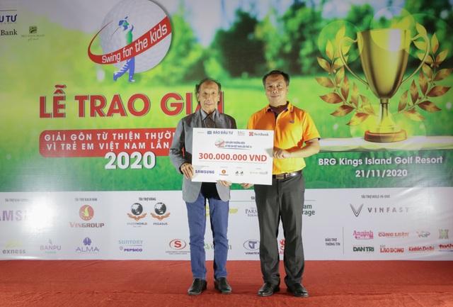 Ủng hộ Quỹ Khuyến học Việt Nam 300 triệu đồng từ Giải Golf từ thiện - 2