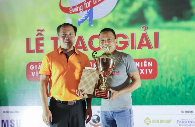 Ủng hộ Quỹ Khuyến học Việt Nam 300 triệu đồng từ Giải Golf từ thiện - 4