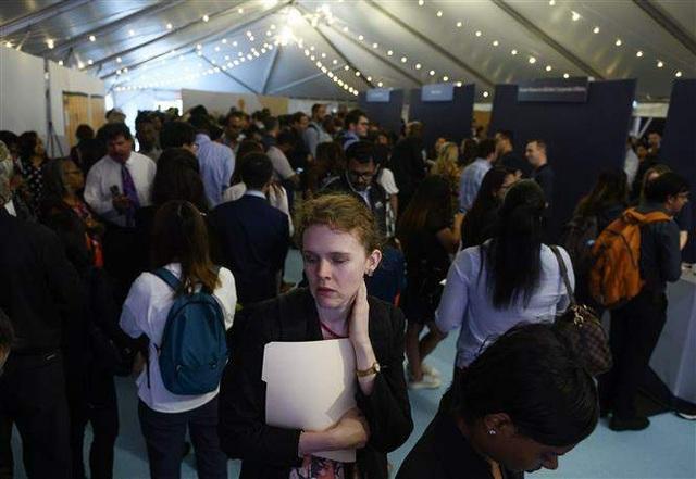 Số người đăng ký nhận trợ cấp thất nghiệp tại Mỹ bất ngờ tăng mạnh - 1