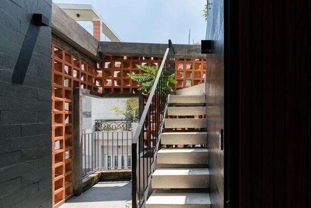 """Nhà ống """"nhỏ mà có võ"""", thiết kế tối giản với 5 kiểu cầu thang ở Sài Gòn - 14"""
