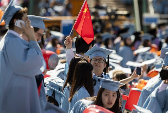 Số lượng sinh viên Trung Quốc tại Mỹ giảm mạnh - 1