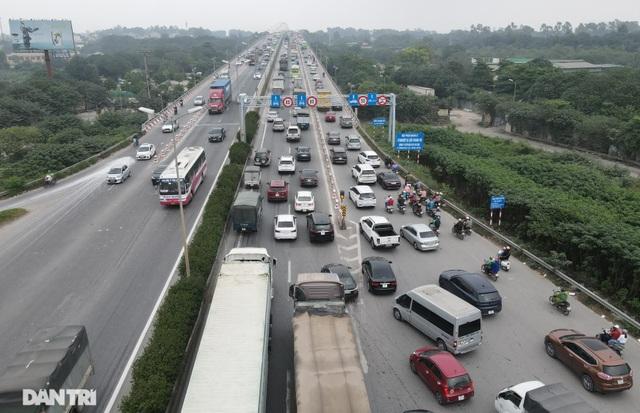"""Tai nạn và ùn tắc xảy ra như """"cơm bữa"""" trên cây cầu huyết mạch Thanh Trì - 3"""