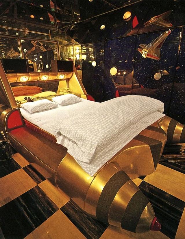 Vì sao khách sạn tình yêu ở Nhật Bản đắt khách trở lại? - 2