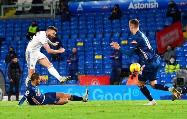 Pepe bị đuổi, Arsenal may mắn có điểm trước Leeds - 3