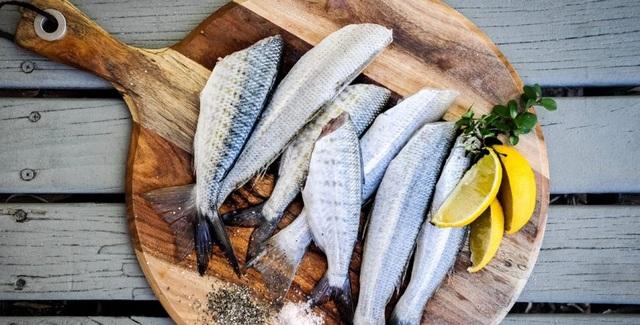 Dưỡng chất có nhiều trong cá là