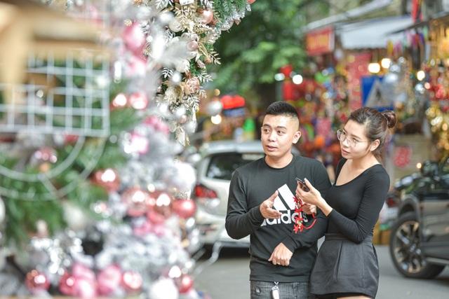 Giáng sinh đến sớm trên phố Hàng Mã - 3