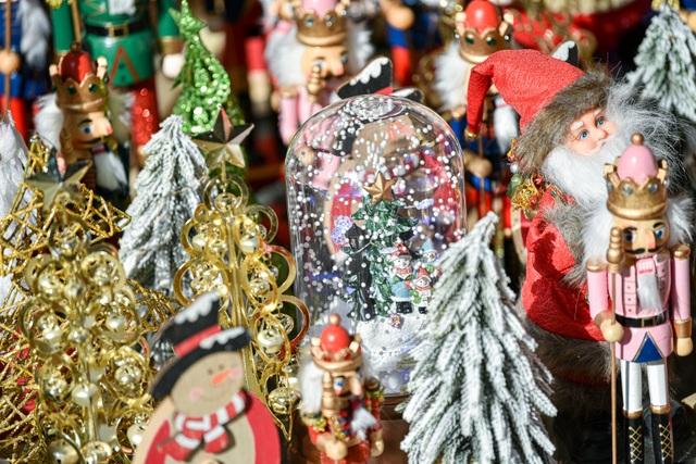 Giáng sinh đến sớm trên phố Hàng Mã - 4