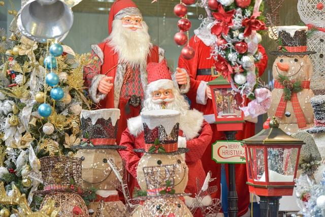 Giáng sinh đến sớm trên phố Hàng Mã - 7