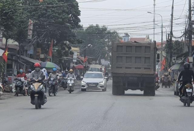 Đoàn xe dấu hiệu quá tải hoành hành trên quốc lộ: CSGT Hải Dương nói gì? - 3