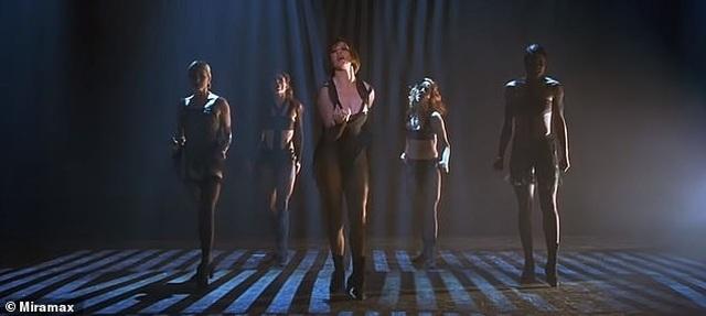 Fans tố Jennifer Lopez bắt chước màn diễn của Beyonce - 4