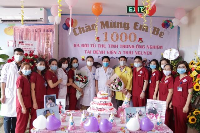 Bệnh viện A Thái Nguyên đón bé sơ sinh thứ 1.000 từ thụ tinh ống nghiệm - 5