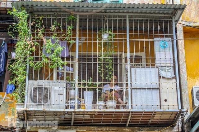 Cận cảnh các chung cư trước nguy cơ đổ sập bất cứ lúc nào ở Hà Nội - 20