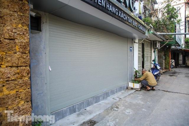 Cận cảnh các chung cư trước nguy cơ đổ sập bất cứ lúc nào ở Hà Nội - 4