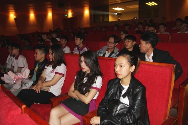 Bộ trưởng Nguyễn Ngọc Thiện đánh trống khai giảng Học viện Âm nhạc Huế - 7