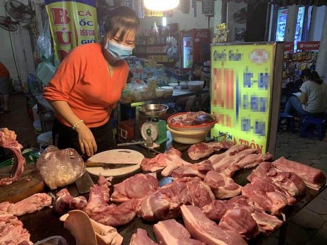 Qua đỉnh lịch sử, thịt lợn tại chợ về mức giá rẻ nhất năm - 1