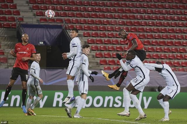 Người thừa vụt sáng phút cuối, Chelsea giành vé đi tiếp ở Champions League - 5