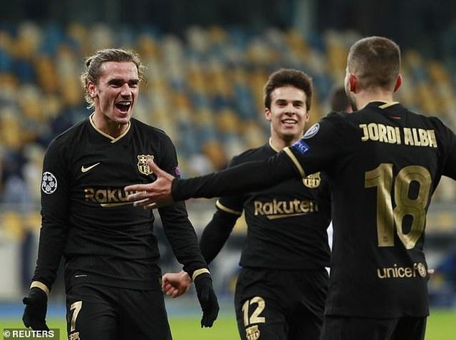 Thắng đậm Dynamo Kiev, Barcelona duy trì mạch toàn thắng - 4