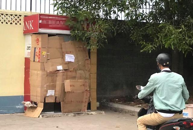 Đập phá trụ ATM vì không nhả tiền nhưng tài khoản vẫn bị trừ - 3